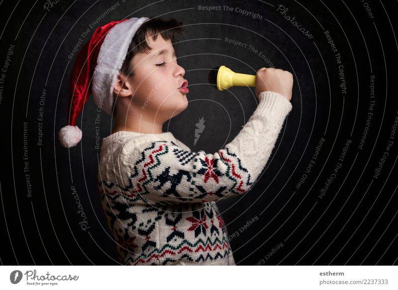 Kind, das Weihnachtslied an Weihnachten singt Mensch Weihnachten & Advent Freude Lifestyle lustig Gefühle Glück Feste & Feiern Party maskulin Kindheit Musik