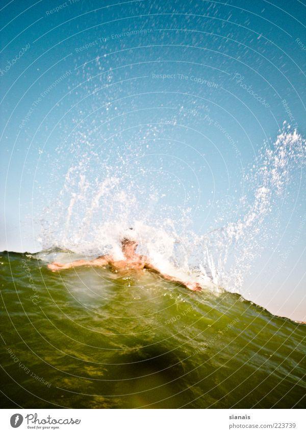 haiattacke Mensch Himmel Mann Sonne Ferien & Urlaub & Reisen Meer Sommer Freude Erwachsene Ferne Leben kalt Bewegung Wellen Kraft Ausflug