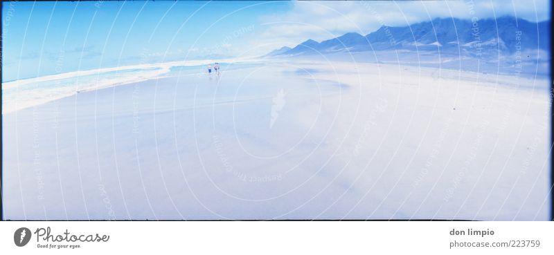 Isla Tranquila 2 Mensch blau Sommer Strand Meer Ferien & Urlaub & Reisen Ferne Berge u. Gebirge Stimmung Küste Wellen Zusammensein Insel frei Europa Unendlichkeit
