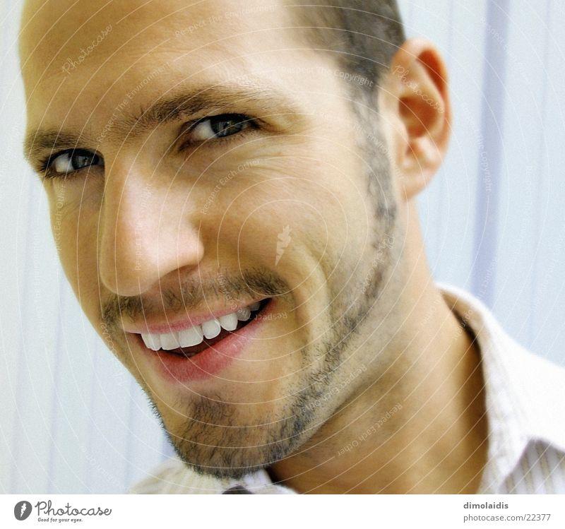 lacher Bart Mann Mensch Gesicht Nase lachen Auge gruebchen Zähne