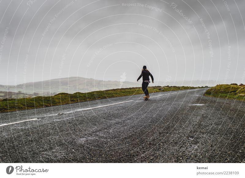 Skate Lifestyle Stil Zufriedenheit Freizeit & Hobby Spielen Abenteuer Ferne Freiheit Skateboarding Mensch Erwachsene Leben 1 Landschaft Himmel Wolken Wetter