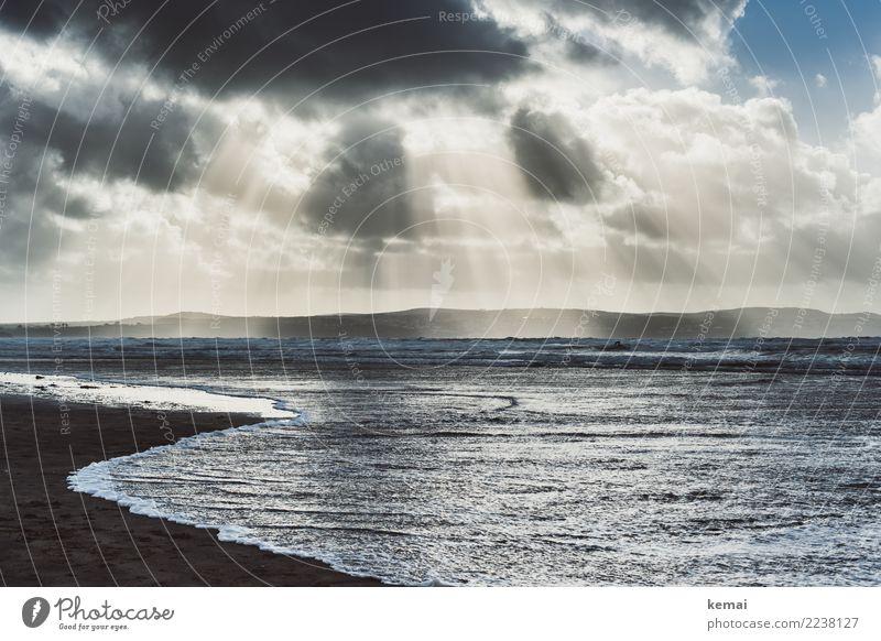 Wolkenstrahlen Himmel Natur Ferien & Urlaub & Reisen Wasser Landschaft Meer Erholung ruhig Ferne dunkel Umwelt Küste Tourismus außergewöhnlich Freiheit