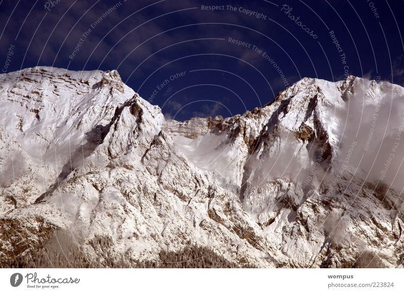 Winterkleid meines Hausberges Umwelt Natur Landschaft Himmel Felsen Alpen Berge u. Gebirge Gipfel Schneebedeckte Gipfel Farbfoto Außenaufnahme Morgen Licht