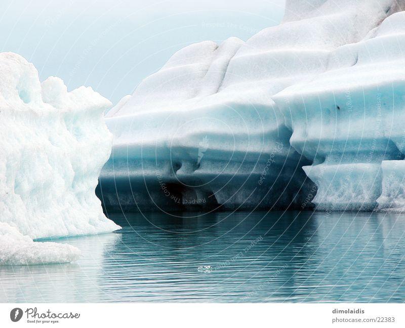 Titanic kalt azurblau Meer Reflexion & Spiegelung Arktis Island Grönland Winter Eis Wasser Nordpol Polar Norden Schnee