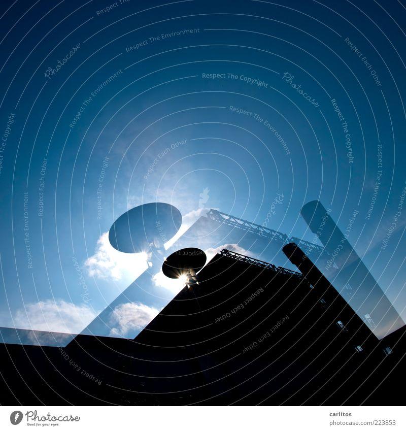 Quadrat Himmel blau Sonne Wolken schwarz Haus kalt Gebäude glänzend Hochhaus Ordnung Perspektive ästhetisch modern bedrohlich