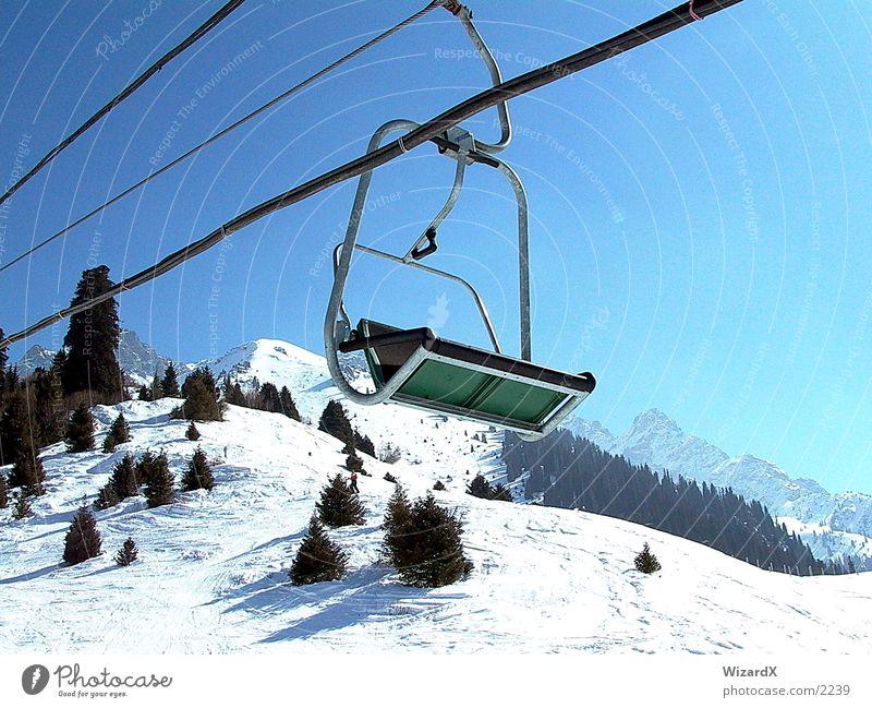 Skilift Skilift-Sitz Tanne Freizeit & Hobby Skilft Berge u. Gebirge Wintersprot Schnee Himmel