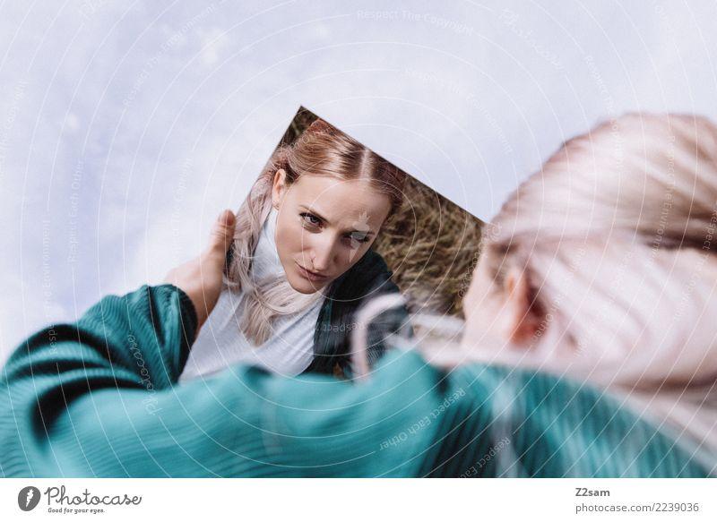 Me, myself and i Lifestyle elegant Stil schön feminin Junge Frau Jugendliche 18-30 Jahre Erwachsene Natur Himmel Herbst Mode Jacke blond langhaarig Spiegel