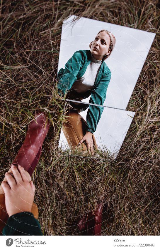 Spieglein, spieglein.... Lifestyle elegant Stil schön feminin Junge Frau Jugendliche 18-30 Jahre Erwachsene Natur Landschaft Herbst Wiese Mode Hose Jacke