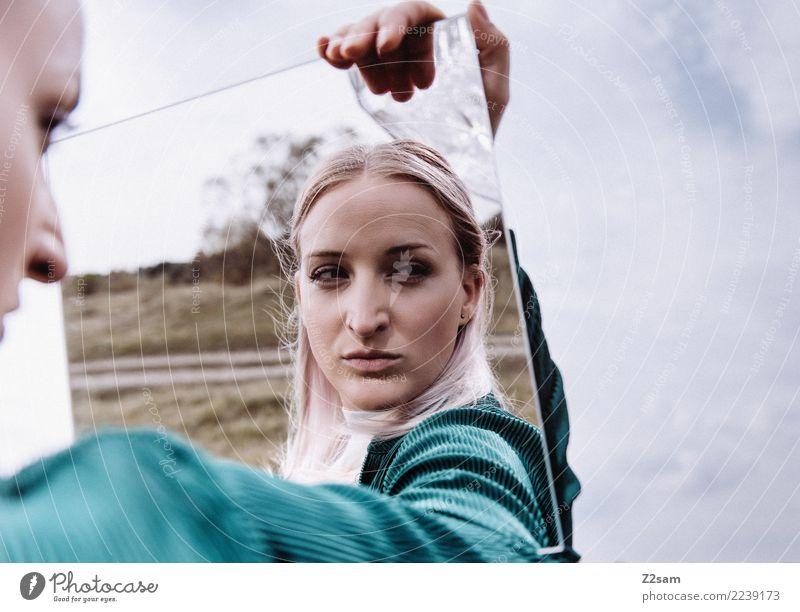 spieglein, spieglein ..... Lifestyle elegant Stil schön Haut Junge Frau Jugendliche 18-30 Jahre Erwachsene Landschaft Himmel Mode Jacke blond langhaarig Spiegel