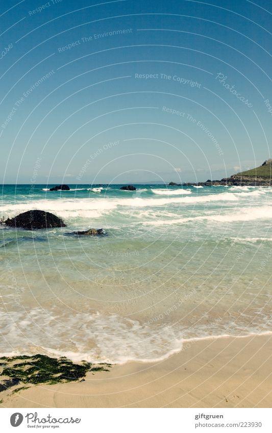 sonne, strand und meer Umwelt Natur Landschaft Urelemente Sand Wasser Himmel Wolkenloser Himmel Sommer Wellen Küste Strand Bucht Meer Insel Algen Felsen