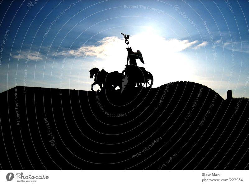 Berlin, Berlin, wir fahren nach Berlin ! Himmel Sonne Wolken dunkel Freiheit Deutschland Kraft Pferd Bauwerk Frieden historisch Schönes Wetter Denkmal Statue