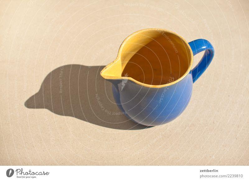 Krug Topf Tontopf Tonkrug Milchkanne milchkrug milchtopf Geschirr Kannen Behälter u. Gefäße Haushalt Küche Essen zubereiten kochen & garen antik Menschenleer