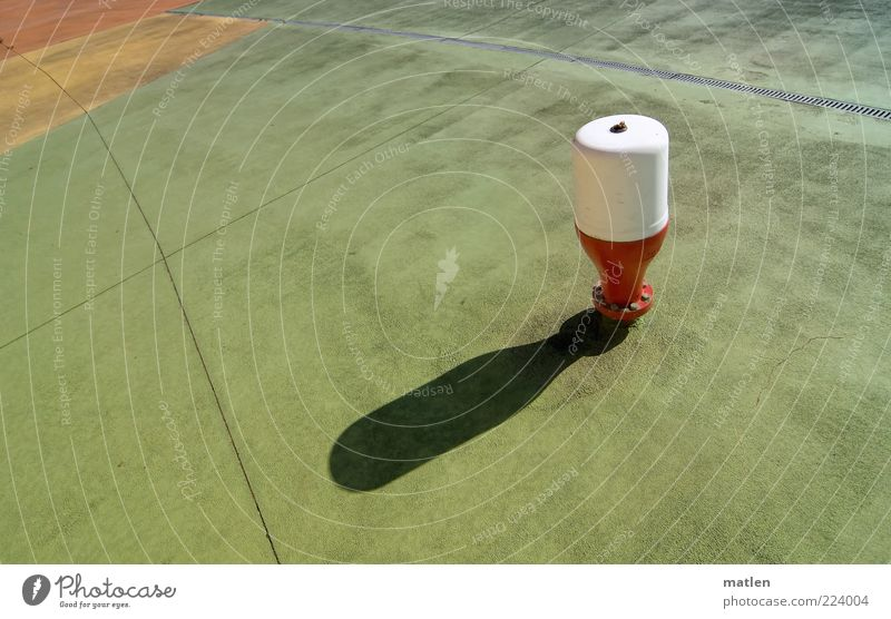 Schattenspiel weiß grün rot gelb Bodenbelag außergewöhnlich Dinge ausdruckslos Terrasse Fuge Weitwinkel