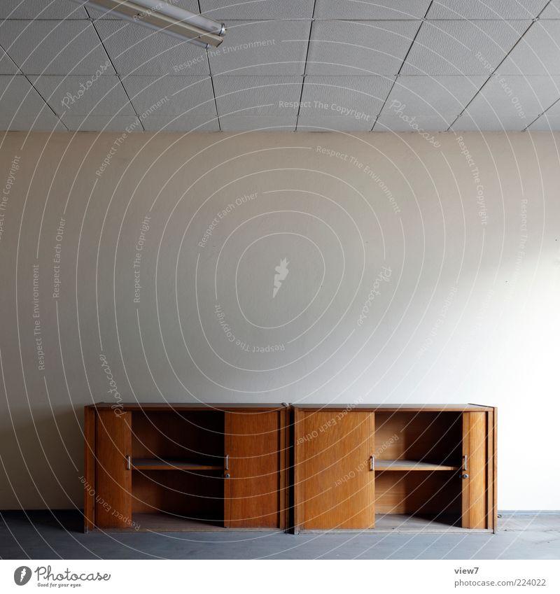 Arbeitsplatz aufräumen Umzug (Wohnungswechsel) Innenarchitektur Möbel Raum Mauer Wand Stein Beton Holz alt einfach braun Design Einsamkeit einzigartig Ordnung
