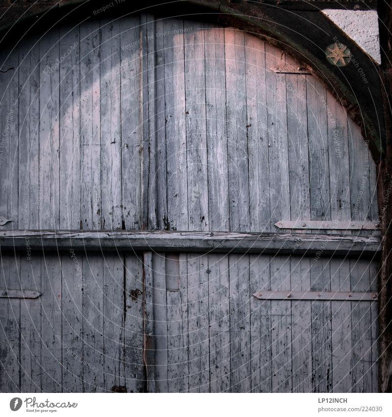 The Doors VII alt blau Holz Gebäude Tür geschlossen Design Tor Eingang Scheune stagnierend Altstadt Balken Holztür blau-grau Holztor