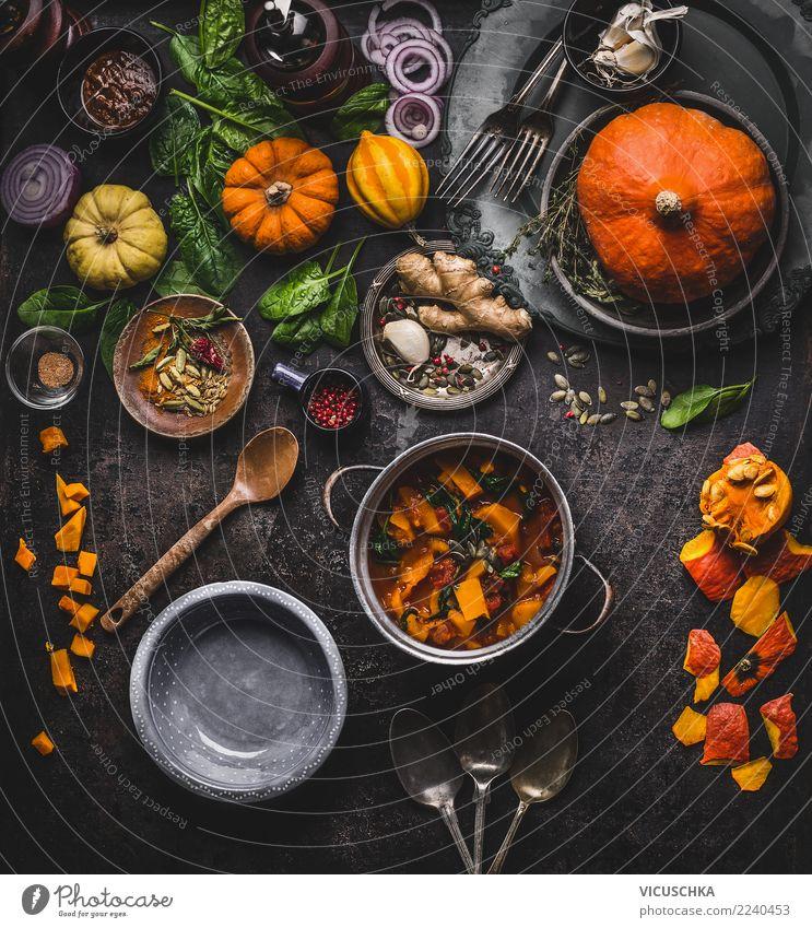 Vegan Kürbis Gerichte Gesunde Ernährung Winter dunkel Speise Herbst Stil Lebensmittel Design Häusliches Leben Tisch kochen & garen Kräuter & Gewürze Küche