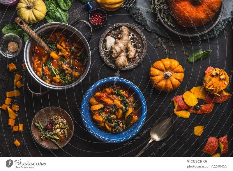 Vegan Kürbis-Eintopf Gericht mit Spinat Lebensmittel Gemüse Suppe Kräuter & Gewürze Ernährung Mittagessen Abendessen Bioprodukte Vegetarische Ernährung Diät