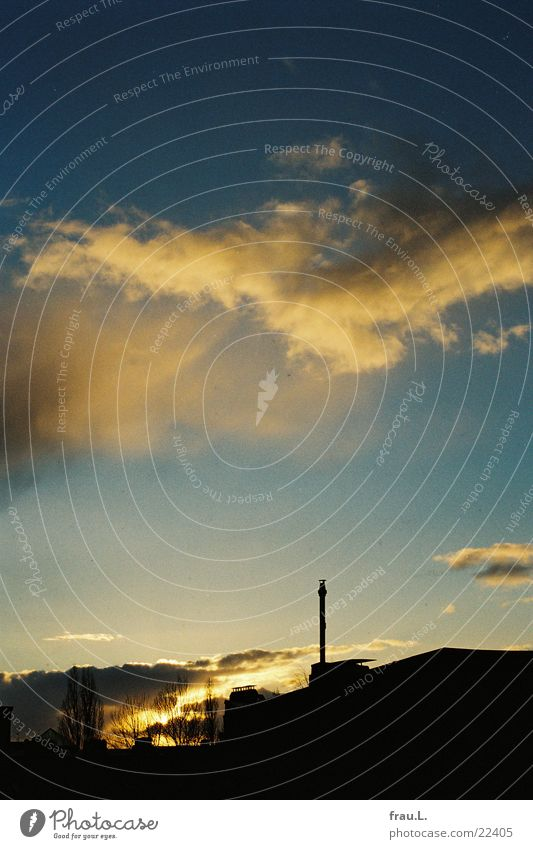 Abend-Himmel Stadt Sonne Wolken Winter Dach Wohngebiet