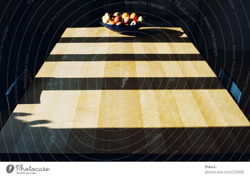 Tafel-Obst Obstschale Holz Licht Muster Tisch Stuhl Sonnenlicht Wohnung streng Unschärfe Häusliches Leben Möbel Frucht Schatten Linie