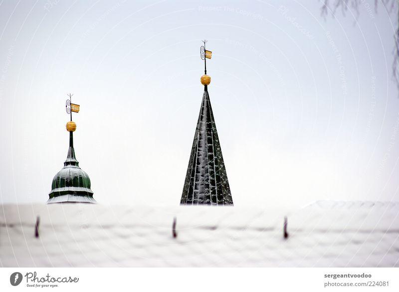 Won´t back down Himmel ruhig Winter Schnee Architektur Gebäude Religion & Glaube Metall Stimmung Eis Wetter Kraft gold Design Kirche Spitze
