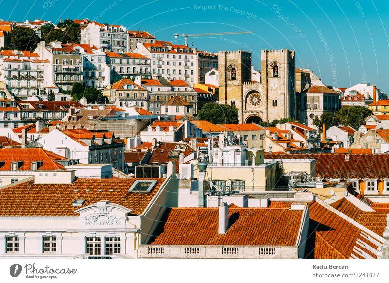 Panoramablick auf die Innenstadt von Lissabon Skyline in Portugal Ferien & Urlaub & Reisen Tourismus Sightseeing Städtereise Sommer Haus Umwelt Landschaft