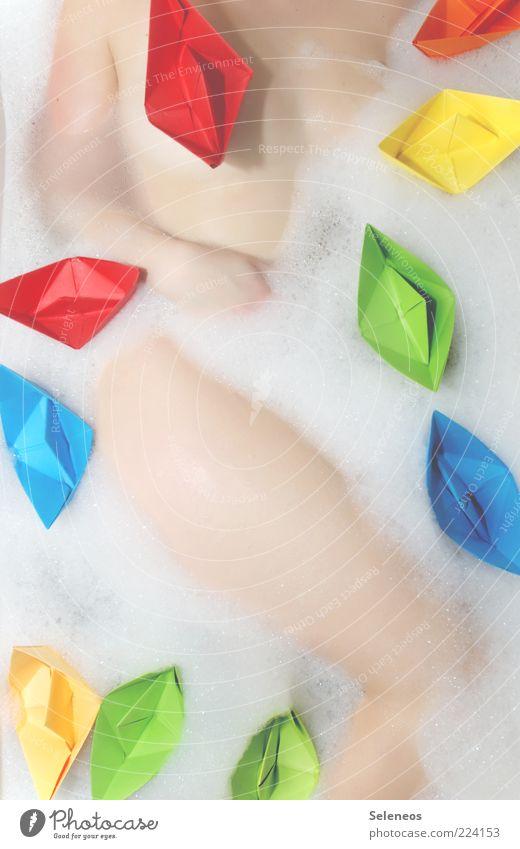 verdeckter Akt schön Körperpflege Wellness Zufriedenheit Erholung Spielen Badewanne Mensch Junge Frau Jugendliche Haut Schwimmen & Baden nass Origami mehrfarbig