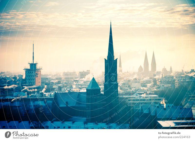 Bremen I Himmel Stadt blau Wolken Winter kalt Umwelt Architektur Gebäude Wetter Nebel Fassade Kirche Turm Urelemente Skyline