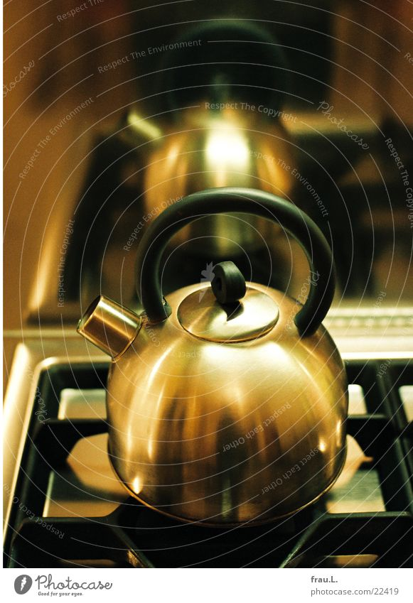 Wasserkessel Herd & Backofen Gasherd Edelstahl Reflexion & Spiegelung Gußeisen Kunstlicht Küche Haushalt Wohnung kochen & garen Kessel teekessel