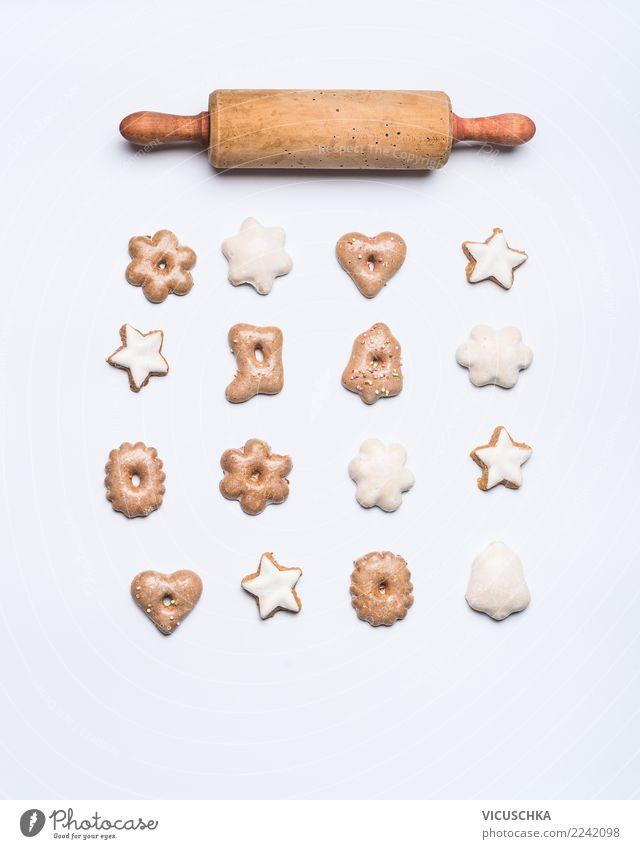 Weihnachtsgebäck mit Teigrolle Dessert Süßwaren kaufen Stil Design Winter Feste & Feiern Weihnachten & Advent Dekoration & Verzierung Zeichen Ornament Tradition
