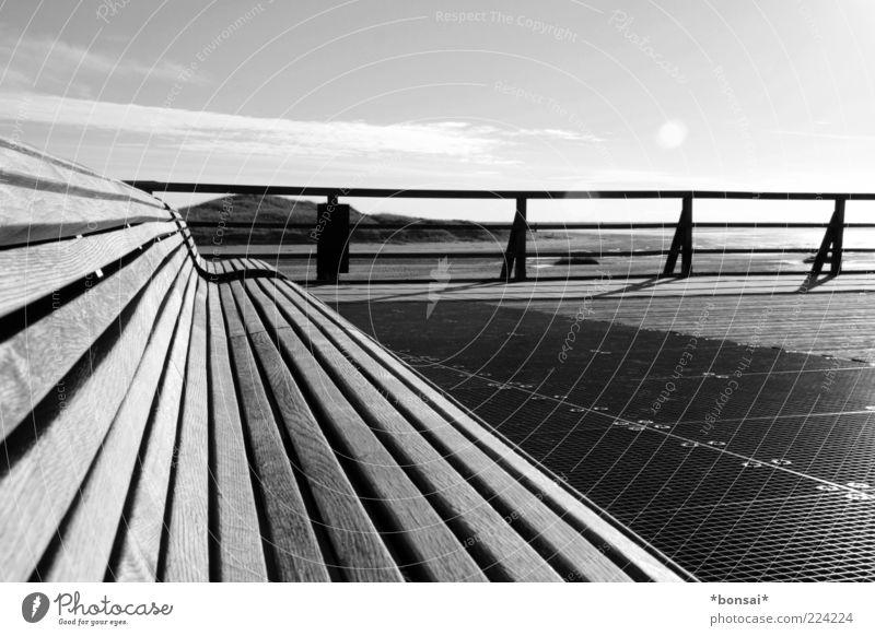 take a seat, relax Erholung ruhig Ferien & Urlaub & Reisen Natur Himmel Schönes Wetter Düne St. Peter-Ording Brücke Seebrücke Bank Geländer Holz frei Einsamkeit