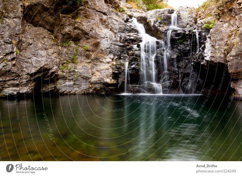 Wasserfall Natur schön Sommer Ferien & Urlaub & Reisen Erholung Berge u. Gebirge Landschaft See Ausflug Felsen Insel Fluss natürlich Romantik Urelemente
