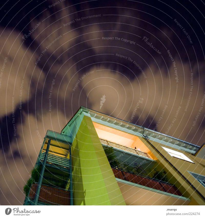 At Home Wolken Haus Architektur Gebäude Wohnung Fassade Lifestyle Perspektive modern Häusliches Leben leuchten Balkon trendy Nachthimmel himmelwärts