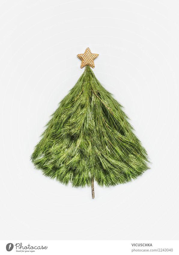 Weihnachtsbaum aus Zedernzweigen mit Goldstern Stil Design Feste & Feiern Weihnachten & Advent Dekoration & Verzierung Zeichen Tradition Entwurf Stern
