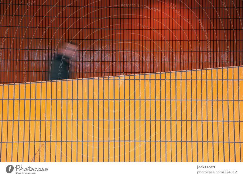 schräger Mittwoch auf der Rampe Mensch Gebäude Wand Wege & Pfade Linie Bewegung eckig orange Farbe modern Fliesen u. Kacheln aufsteigen gehen aufwärts Fußgänger