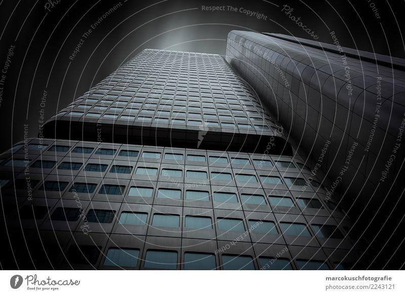 Silberturm - Frankfurt blau Stadt weiß Fenster schwarz Architektur Gebäude Business Deutschland grau Fassade Design Metall Hochhaus elegant Glas