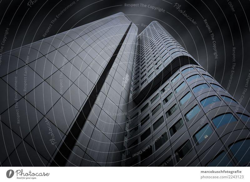 Silberturm - Frankfurt 2 blau Stadt weiß Fenster schwarz Architektur Gebäude Deutschland grau Fassade Büro Hochhaus ästhetisch Europa Güterverkehr & Logistik