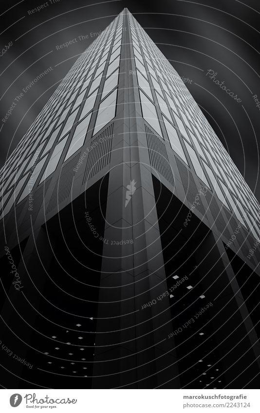 Taunusturm - Frankfurt Stadt weiß Fenster schwarz Architektur Gebäude Deutschland modern Hochhaus Europa groß hoch Güterverkehr & Logistik Bauwerk Skyline