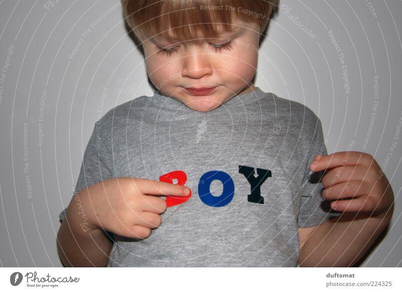Was bin ich maskulin Kind Junge Kindheit 1 Mensch 3-8 Jahre Bekleidung T-Shirt Schriftzeichen beobachten Denken lesen Blick Wachstum frech Neugier niedlich grau