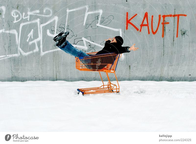 winterschlussverkauf Lifestyle kaufen 1 Mensch Winter Eis Frost Schnee Jeanshose Mantel Mütze Schriftzeichen Graffiti frei Fröhlichkeit Einkaufswagen Konsum