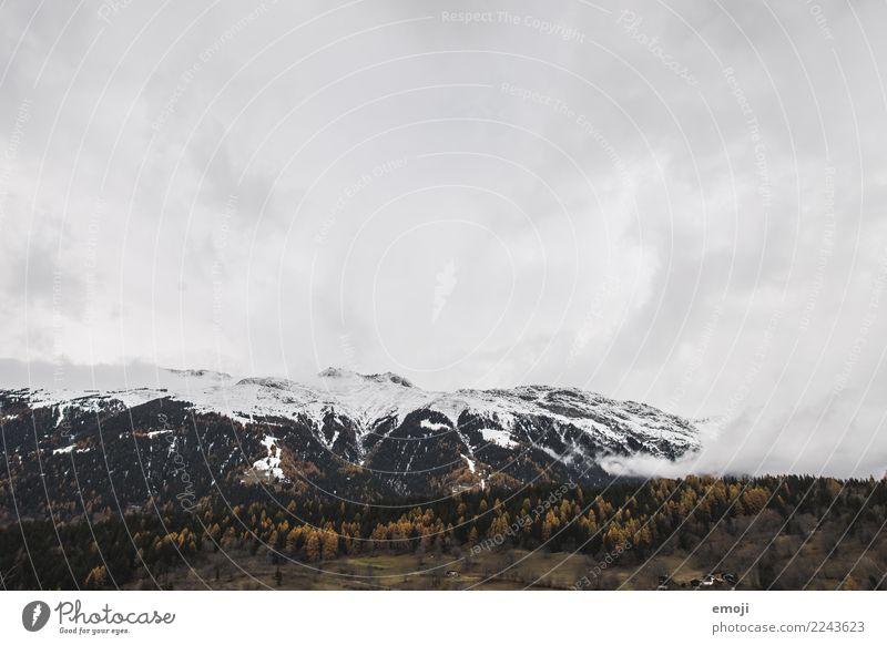 Wallis Umwelt Natur Landschaft Wolken Herbst Wald Hügel Berge u. Gebirge Tourismus Kanton Wallis Schweiz Farbfoto Außenaufnahme Menschenleer Tag Weitwinkel