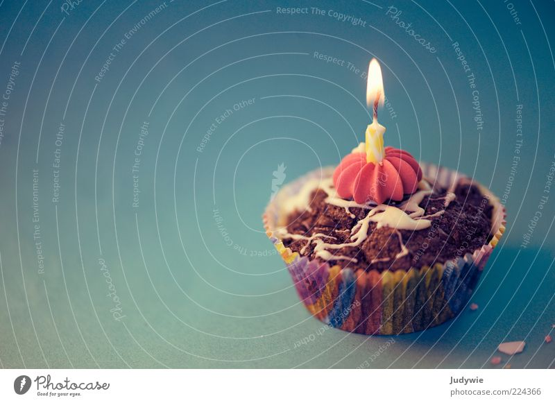 Happy Birthday! Freude Ernährung Glück Lebensmittel Feste & Feiern Geburtstag Papier süß Kerze Dekoration & Verzierung Kitsch leuchten Kuchen lecker Süßwaren Flamme