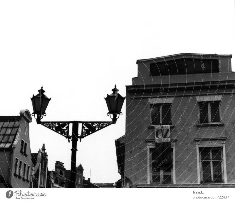 Wismar Stadt Haus Lampe Gebäude Architektur Zeitung Information Werbung DDR Zeitschrift Printmedien Wiedervereinigung Mecklenburg-Vorpommern Kleinstadt