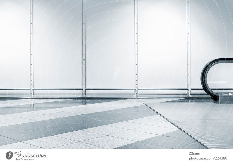 ich mags einfach blau ruhig kalt Wand Architektur Linie elegant Design Ordnung Treppe ästhetisch modern leer Boden Bodenbelag