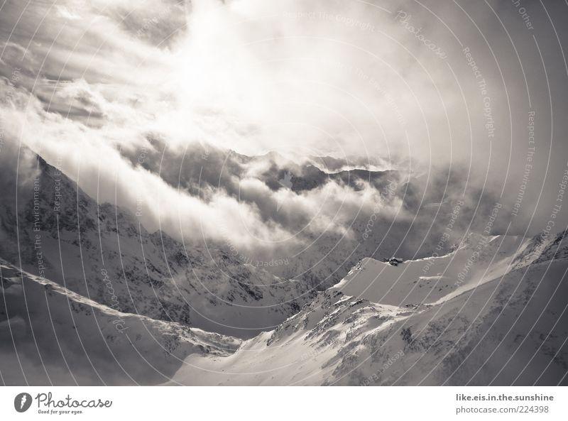 einsame berghütte mitten im nichts I Natur Wolken ruhig Winter Einsamkeit kalt Schnee Berge u. Gebirge Landschaft Umwelt Wind Hintergrundbild außergewöhnlich