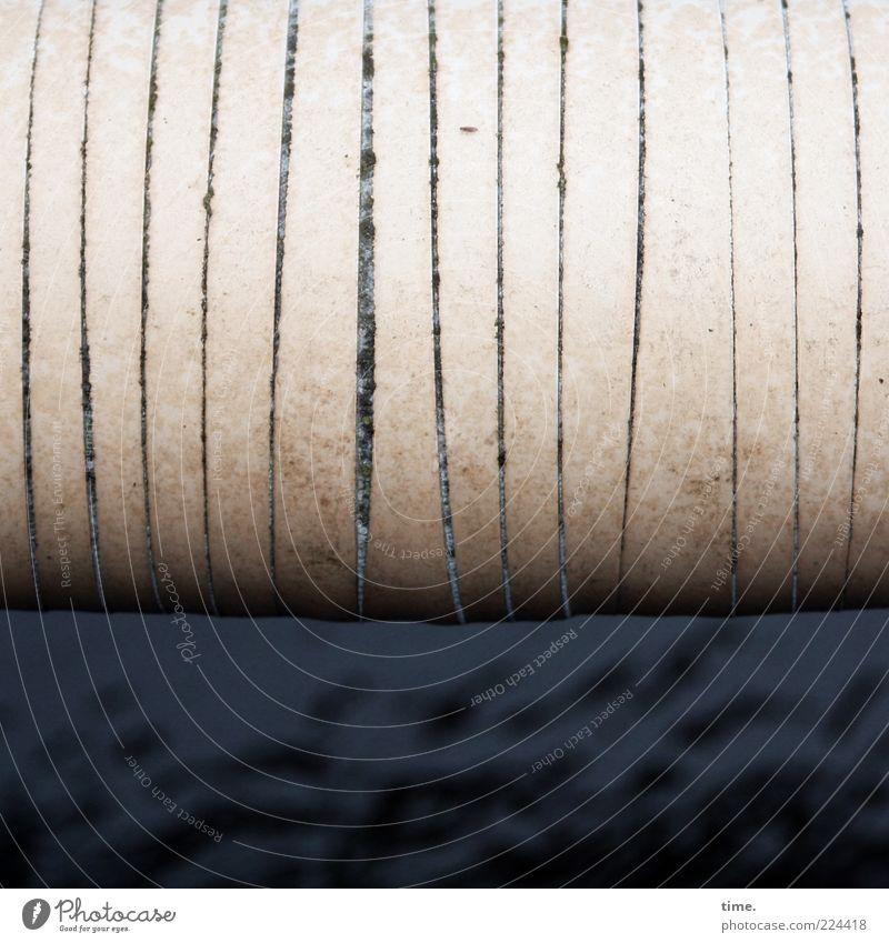 HH10.2 | Bondaged Energy dreckig Sicherheit Schutz Röhren skurril Furche gestreift vertikal Zweck parallel Fuge wickeln Funktion Träger gebunden Nahaufnahme