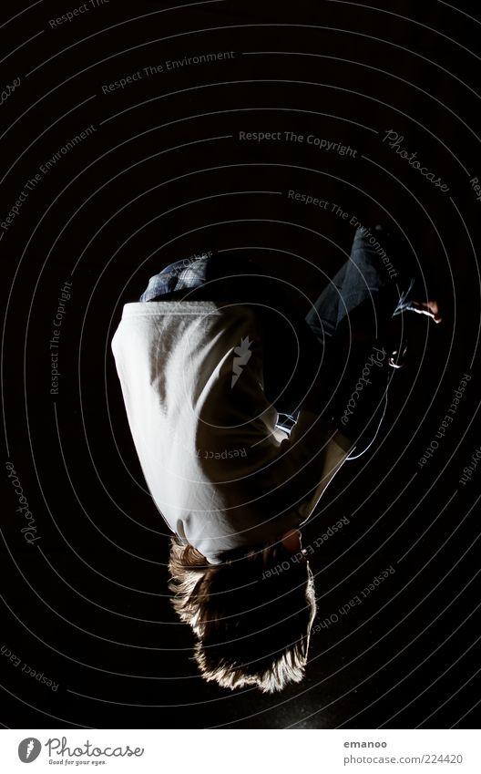 streetwear flip Mensch Kind Jugendliche Freude schwarz dunkel Junge Bewegung Haare & Frisuren springen Stil Kindheit Kraft fliegen Freizeit & Hobby Geschwindigkeit