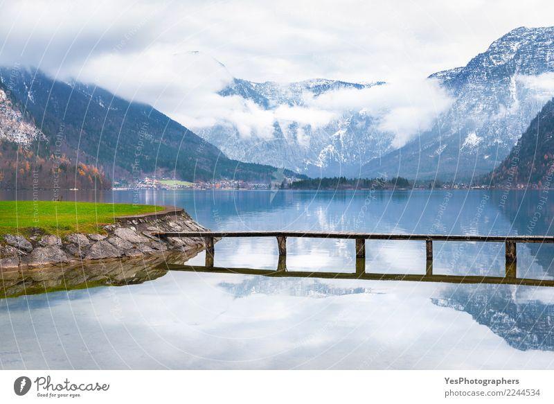 Holzdeck über Bergsee ruhig Ferien & Urlaub & Reisen Tourismus Berge u. Gebirge Natur Schönes Wetter Alpen Seeufer Brücke Optimismus friedlich Gelassenheit