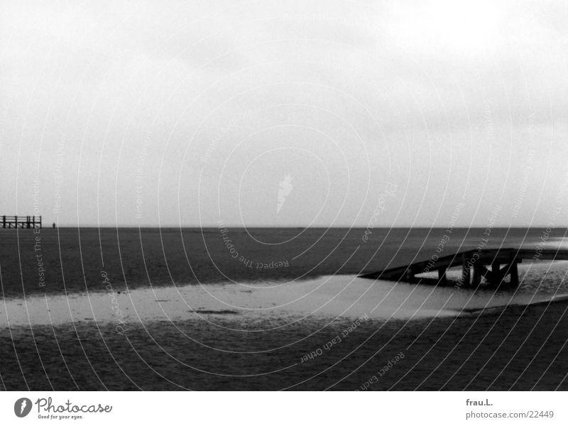 einsam Meer Winter Einsamkeit grau stehen Nordsee Rampe St. Peter-Ording Pfahlhaus