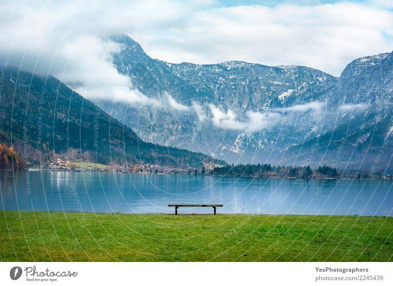 Österreichische Alpen und eine Bank am See ruhig Ferien & Urlaub & Reisen Berge u. Gebirge Natur Schönes Wetter Gipfel Seeufer Euphorie Willensstärke friedlich