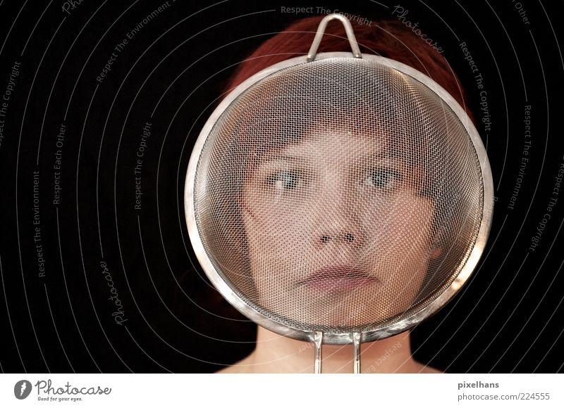 Identität Frau Mensch Jugendliche weiß rot Gesicht schwarz Kopf Haare & Frisuren Metall Erwachsene Kunst Haut rund Netz Schutz
